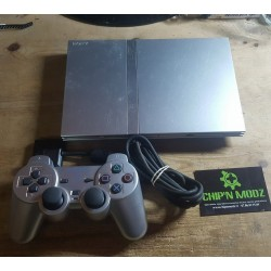 "PS2 Slim (PS TWO) ""Silver"" + 3 jeux"