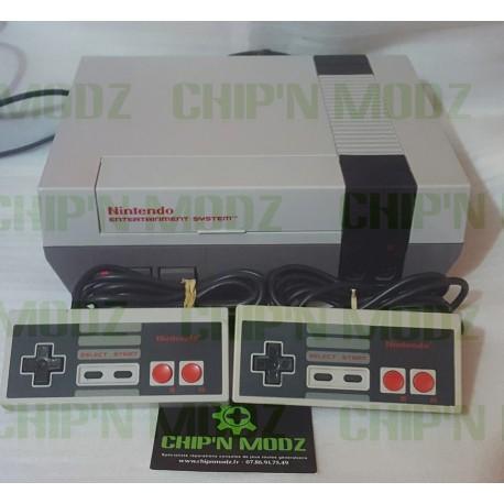 Nintendo NES + 2 manettes - Non Jaunie - Dézonnée - Occasion - Sans boite ni notice
