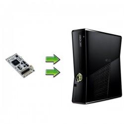 Xbox 360 Slim 4Go - GLITCH HACK - occasion